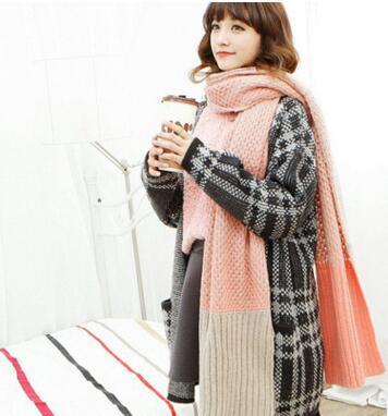 New recomendam às mulheres cor hit da moda inverno para estender os lenços de grife lã elegantes de cores luta cachecóis de tricô quentes para homens atacado