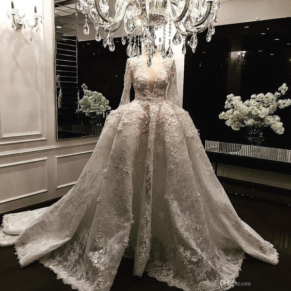 2019 New Vintage Lace Ball Gown Wedding Dresses With Long Sleeves 3D Appliqued Deep V-Neck Court Train Sequined Luxury Bridal Gowns 448