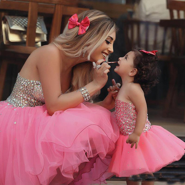 Beauty Shiny Beads Mother And Daughter Short Prom Party Dresses 2017 Sweetheart Tulle Bling Lovely Flower Girls Tutu Ball Gowns
