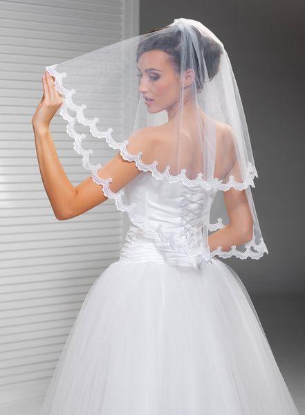 Hight Qualityr Best Sale Two Layer Elbow Length White Ivory Lace Applique veil Mantilla Veil Bridal Head Pieces For Wedding Dresses