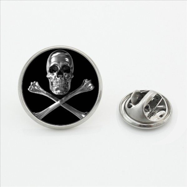 New Trendy Skull and Bones Brooch Pins Steampunk Round Glass Photo Skull Jewelry Lapel Pins for Men Women Shirt Accessories