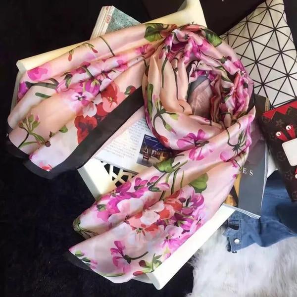 2017 summer Fashion G Geranium printing silk Shawls Scarf Gryffindor Series Scarf With Badge Knit women Scarves