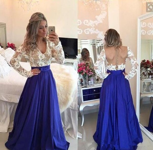 Fashioabl A-Line Lace Prom Dress V-Neck Covered Button Back White And Royal Blue Evening Gown With Long Sleeves Formal Dresses Evening Wear
