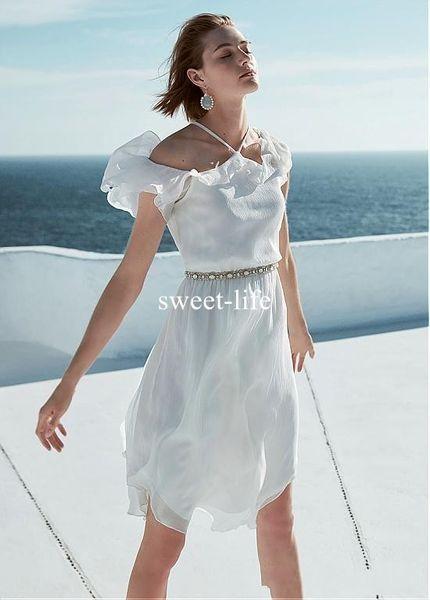 2019 Robe de mariée en mousseline de soie délicate avec décolleté licou asymétrique A-ligne ceinture volants en cascade robe de mariée en strass