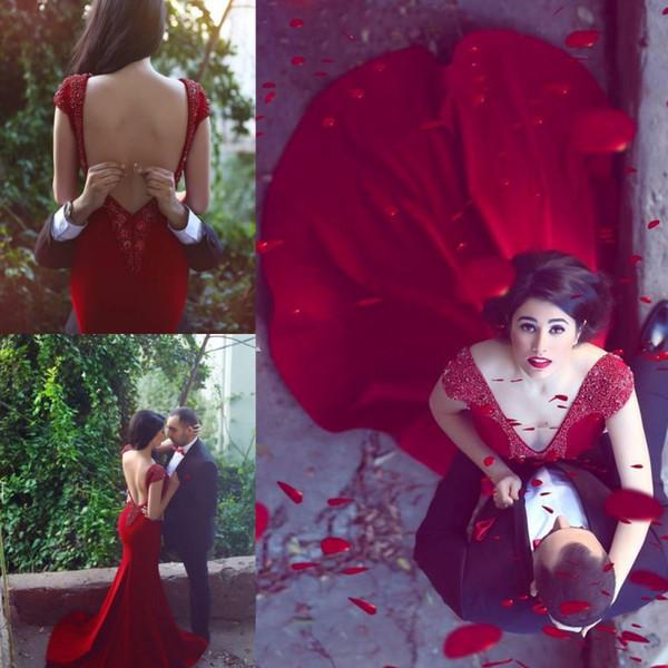 Sagte Mhamad Red Deep V-Ausschnitt Prom Kleider Sexy Open Back Perlen Mermaid Abendkleider Sweep Zug Formale Partykleider
