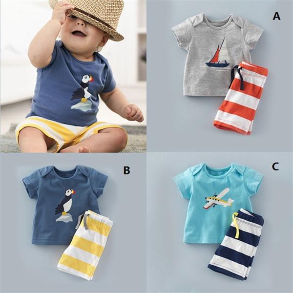 2016 verão nova roupa do bebê meninos dos desenhos animados aeronaves sailboat t-shirt + calça listrada ternos casuais 2 pcs define crianças roupas 3 cores k449