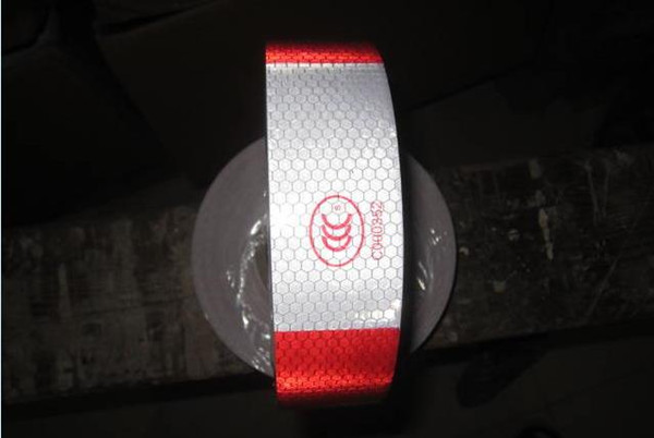 top popular Adhesive Warning Tapes Red and white reflective sticker high light reflective strip for Car Truck Van Car Motorcycle Traffic Signal 2021