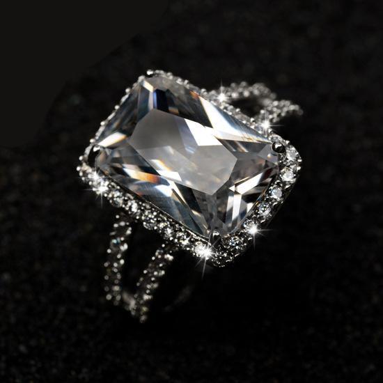Anello placcato in platino micro intarsio diamante rettangolo di alta qualità con grandi anelli di fidanzamento per le donne