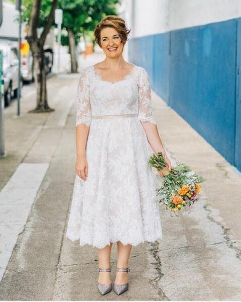 Simple Design 2017 Tea Length Plus Size Wedding Dresses Half Sleeve Scoop Neck Lace Short Bridal