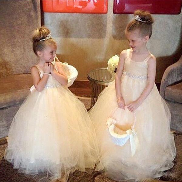 Hot Sale Flower Girls Dresses Lovely Girl's Pageant Gowns for Teens Spaghetti Straps Puffy Tulle Kids Gown with Crystals Belt Bow and Train