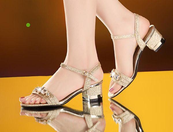 Free shipping New style summer fashion leather Rhinestone sandals female Korea shoes shoes sweet girl students