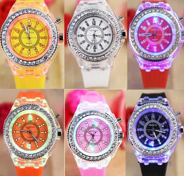 Diamante Silicone Moda strass Geneva Watch Classic led luminosi Guarda Ginevra luci colorate per gli uomini delle donne di quarzo