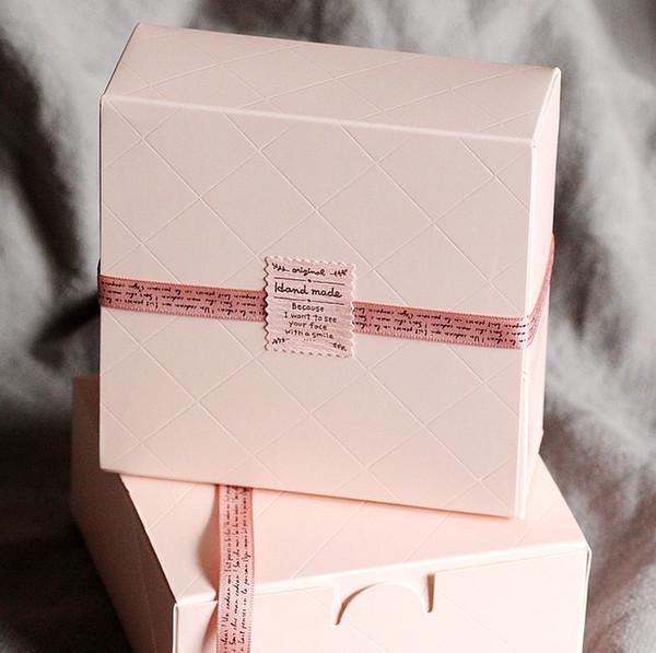 All'ingrosso- Spedizione gratuita Pink Cake Box Party Cupcake Gift Bakery Maccaron biscotti di pasticceria Packaging scatole di carta