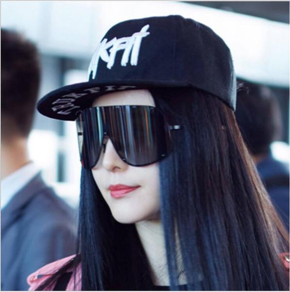 Occhiali da sole polarizzati di moda da uomo oversize Occhiali da sole da donna di grandi dimensioni con montatura nera occhiali da sole in stile siamese