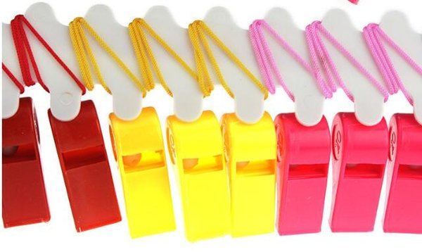 Christmas Party Wedding Promotion Colorful Plastic Sport Whistle with Lanyard 4 Colors Mixed Kids Candy Whistle 4*1.8cm