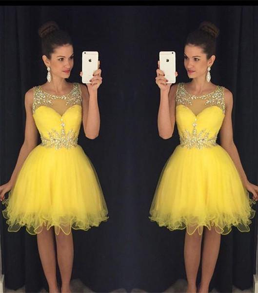 2016 nuovi abiti da cocktail Bling perline di cristallo Illusion collo giallo Tulle breve Mini abito di ritorno a casa formale vestito da partito Prom abiti per le donne
