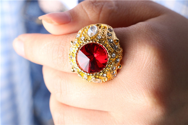 Men's Gold Crown Rings inlaid glass gemstone zircon pull that big European and American trade jewelry