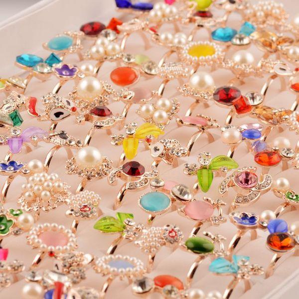 20pcs 2018 Fashion Ring Women Rhinestones Diamond Jewelry Stores Anelli di cristallo per le donne Le ragazze mescolano i colori all'ingrosso Bijoux Femme Gift Ideas