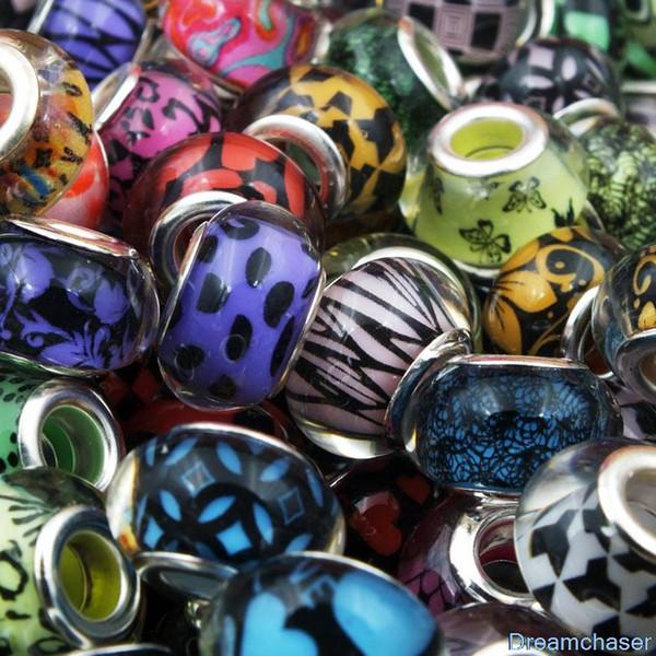 100 pcs Mélanger Couleur Diy Ronde Lâche Résine En Plastique Perles Charmes Grand Trou Disponible Pour Pandora Européenne Accessoires Bijoux Bracelet Bracelet