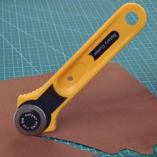 2016l Nuovo Freeshipping Giallo Adulto Roller Lama Cutter Circle Round 28mm