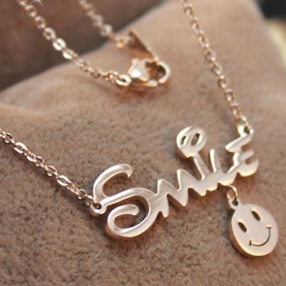 Оптовая счастливый смайлик улыбка письма покрытием 14 K розовое золото цвет золото из нержавеющей стали ожерелье женский корейский ювелирные изделия Серьги
