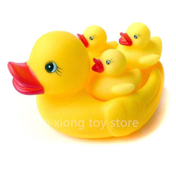 Venta al por mayor- 4 piezas / lote de ducha de agua juguetes de baño flotantes Squeaky pato de goma amarillo juguete bebé agua juguetes para el baño regalos envío gratis