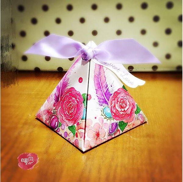 100 Pcs NEW European style red purple 4 colors Pearl paper triangle pyramid Wedding box Candy Box gift boxs wedding favour boxes TH191