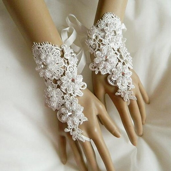 Real Photo New Pearls Crystals Lace Short Bridal Gloves Fingerless Wedding Gloves Wrist Length Lace Up Ivory Wedding Accessories