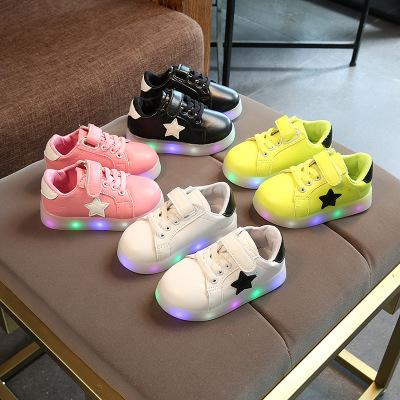 Sapatas das crianças Com Luzes 2017 Nova Moda Dos Desenhos Animados Led Luminosa Meninos Tênis Outono Macio Strars Casuais Meninas Sapatos Tamanho 21-30