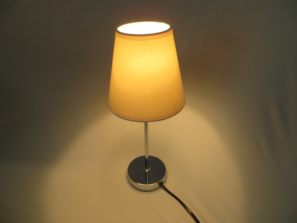 Simple Chromed Base Fabric Lampshade Button Switch E14 230-240V Table Lamps Reading Lights Lamp Desk Light Lamps Indoor Lighting Fixtures