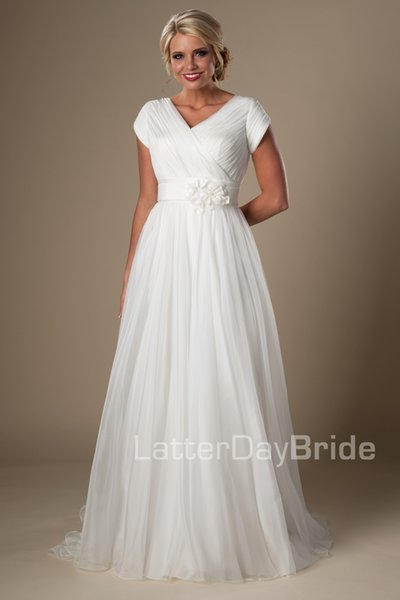 Ivory Ruched Chiffon Beach Modest Wedding Dresses With Cap Sleeves V Neck A-line Temple Bridal Gowns Informal Wedding Gowns New Cheap