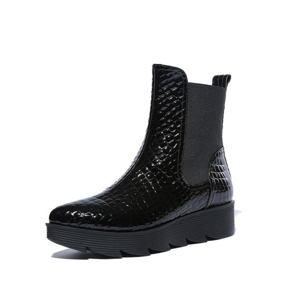 2018 fall genuine Leather thick soles short black boots Pointed serpentine big yards ladies boots Flat platform women's shoes10 11