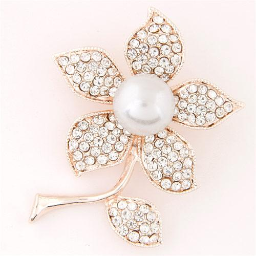 Summer Sale Korean Version Fine Fashion Accessories Jewelry Luxury Pearls Drilling Gold Silver Flowers Leaves Charm Brooches Pins For Women