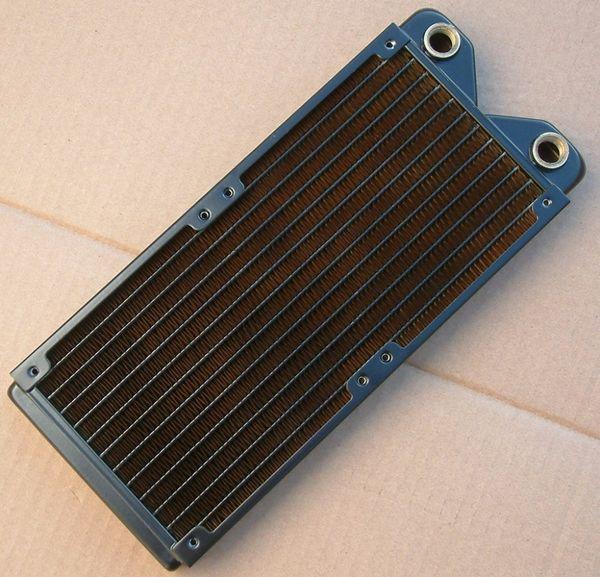 Radiador de enfriamiento de agua de cobre al por mayor de 240 mm ------- paso único