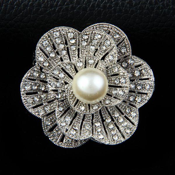 Épingles De Bijoux De Mode En Gros Perle Fleur Strass Broche Bouquet De Mariage Femmes Épingles Collier Femelle Épingle Broche Écharpe