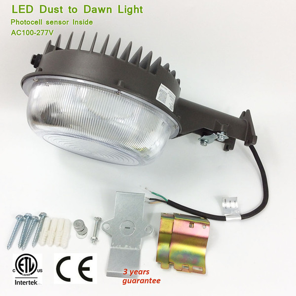 US 85-277V ETL CE 50w 70w Automatic LED Dusk to Dawn Lamp with Light Sensor, Quality SMD 2835 IP65 Security Street Light