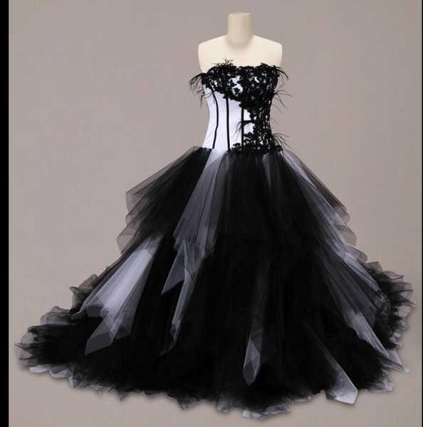 abe52935f66c New preto e branco gótico vestido de baile vestidos de casamento com babados  saia de tule