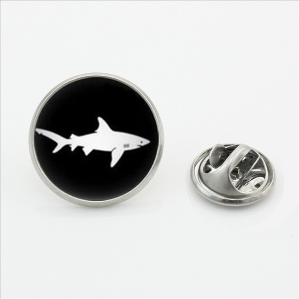 New Sharks Butterfly Clasp Pin Sharks and Scuba Divers Collar Tips Glass Photo Lapel Pins for Men Shirt Women Accessories