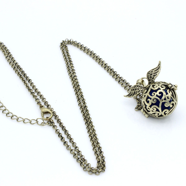 Lots Wholesale Antique Bronze Wing Leaf Plant Hollow Cage Locket Fragrance Essential Oil Diffuser Pendant Chain Neckalce Charms Jewlery