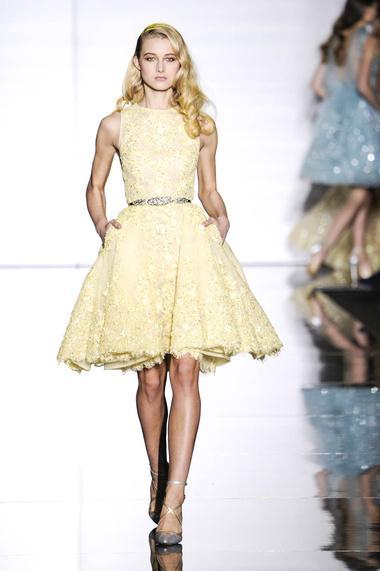Großhandel Jewel sleeveless Appliques schnüren gelben Ballkleid ...