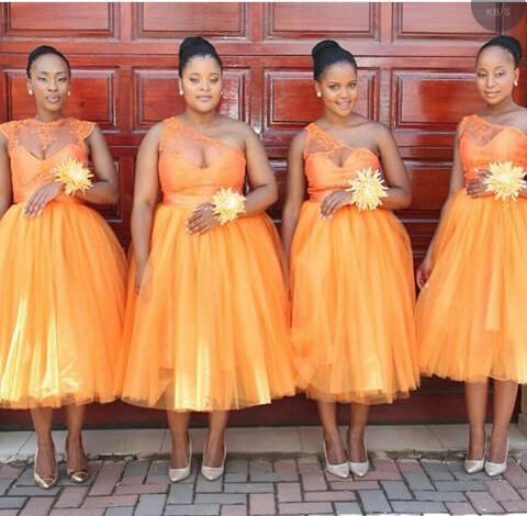 Robes De Demoiselle D'honneur De Longueur De Thé Orange Pêche Illusion Une Épaule Dentelle Balle Tulle 2017 Pas Cher Robe De Demoiselle D'honneur Robe pour la Fête Mariage Invité
