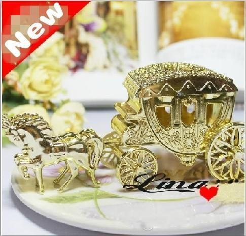 European Styles Romantic Wedding Candy Boxes Carriage Candy Bags Wedding Holder Favor Chocolate Gift Boxes gold silver clear color