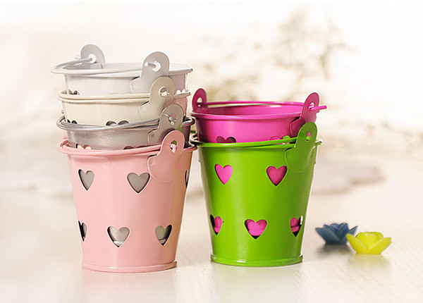 Wholesale 30pcs Cute Metal Favor Pail Heart Decorative Tin Pots wedding favor candy holders mini bucket for guests souvenir Candle Box