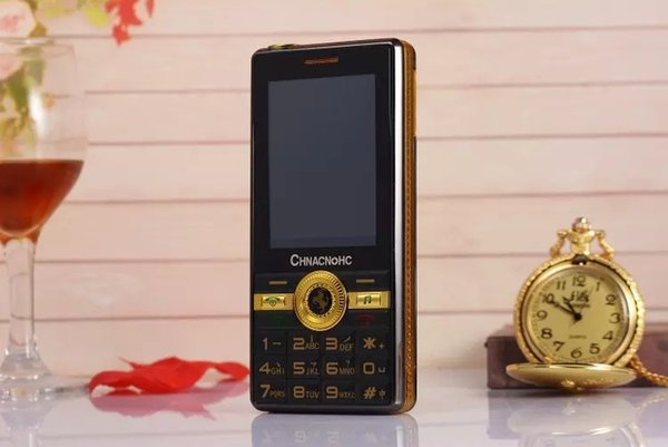 Long straight long standby power A1 mobile phone dual sim card big old machine WeChat big horn torch