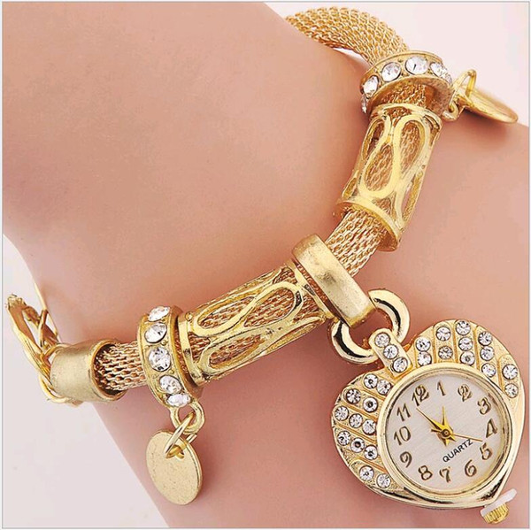 2016 new ladies chain bracelet quartz watches gold silver heart charms jewelry buckle wristwatch selling fashion women watch