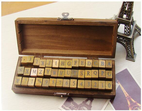 42 PC / Satz kreativer Buchstabe- und Zahlenstempel stellten ein / hölzerne Geschenkbox / hölzerner Stempel / Holzkiste / freies Verschiffen