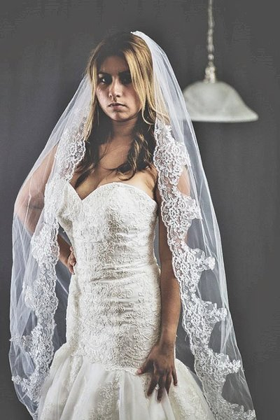 Hot Fashion In Stock White Ivory Bridal Wedding Veil With Lace Applique Edge Cathedral Veils 3M long