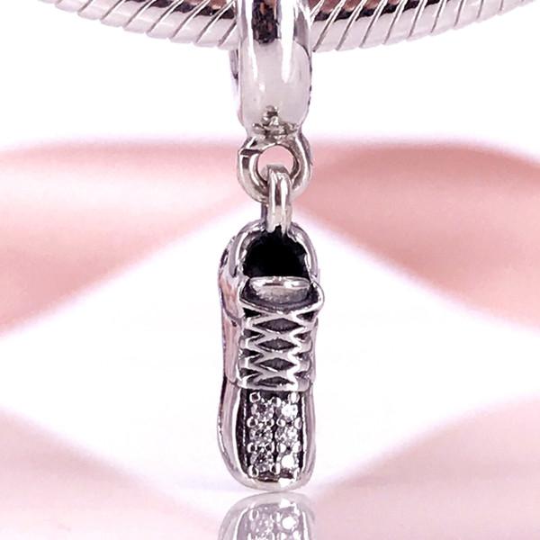 Otantik 925 Gümüş Boncuk Koşu Ayakkabı Kolye Charm Avrupa Tarzı Takı Bilezikler Kolye 792063CZ Uyar