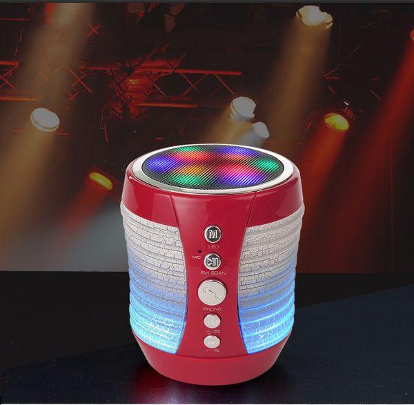 Yeni Çatlak LED Işık WS-1805 Bluetooth Kablosuz Hoparlör Mini Taşınabilir MP3 Telefon Bilgisayar Audio Player Silindir Şekli FM TF Kart Hoparlör