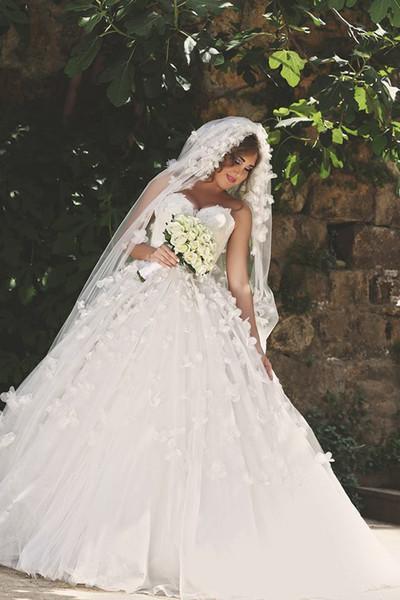 2016 Abiti da sposa di lusso Arabia Medio Esta con fiore fatto a mano Perle Back Corset Ball Gown Abiti da sposa Abiti da Noiva
